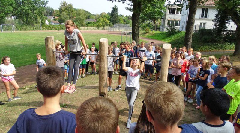 Neuer Spieleparcous am Gymnasium eingeweiht