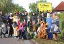 Schaurige Gestalten in Höfen unterwegs – Höfener Frauen sammeln für einen Defibrillator im Dorf