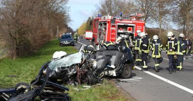 Autofahrer (57) stirbt bei schwerem Unfall auf der L 770