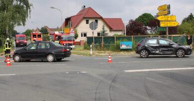 Drei Verletzte nach Vorfahrtsmissachtung auf der Bundesstraße 482